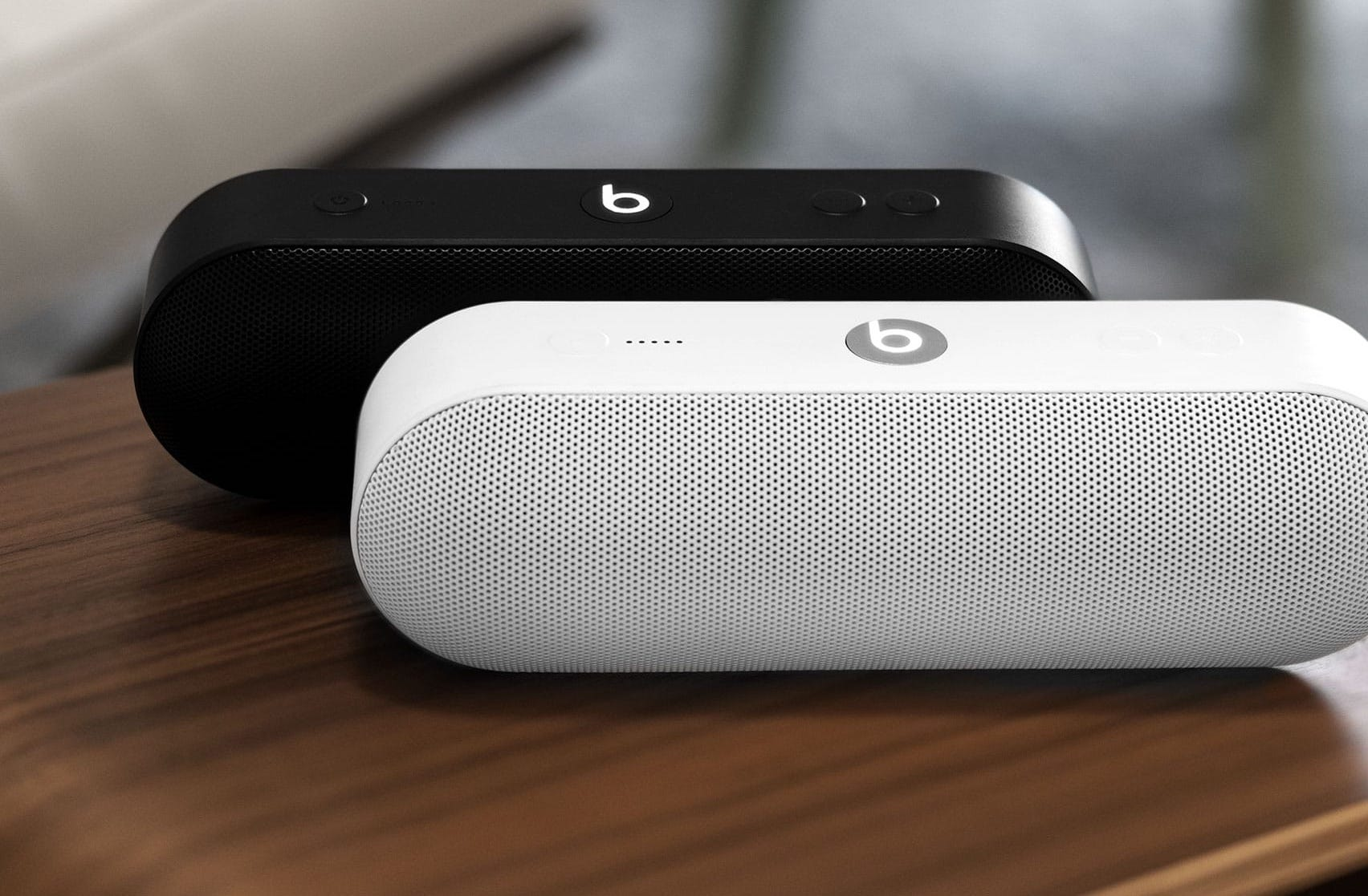 Amazon Beats Apple S Beats Pill Speaker Discount
